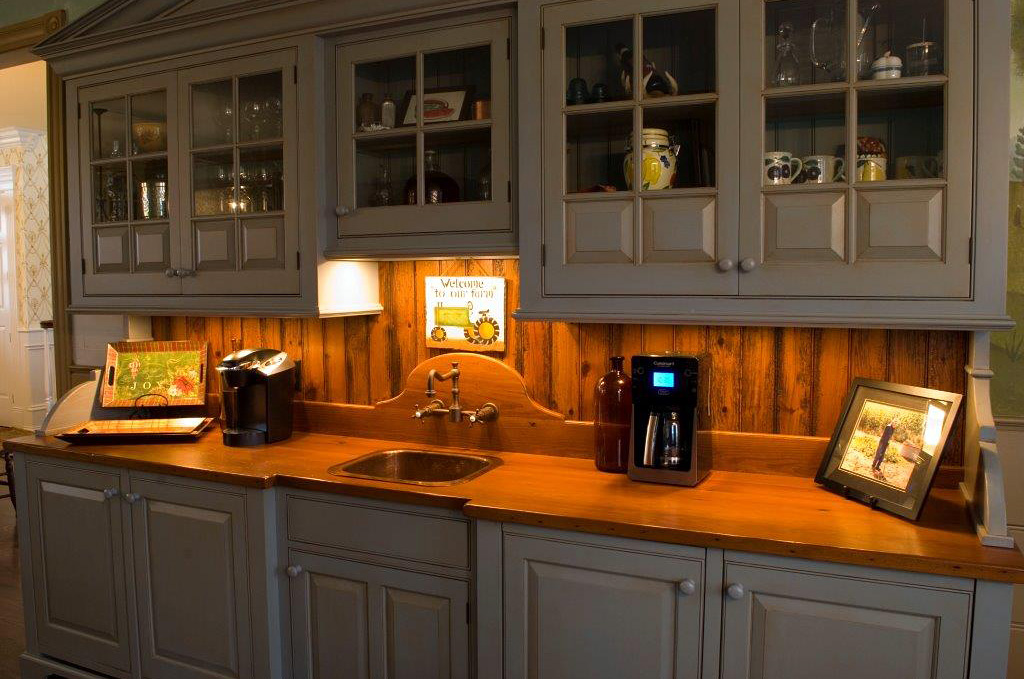 Mark I Custom Cabinetry - Custom Bar